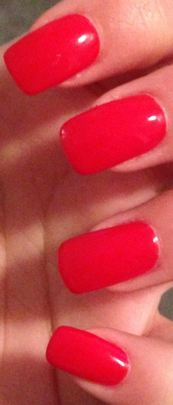 Vanessa\'s Beauty Blog: Gelnägel in klassischem Rot