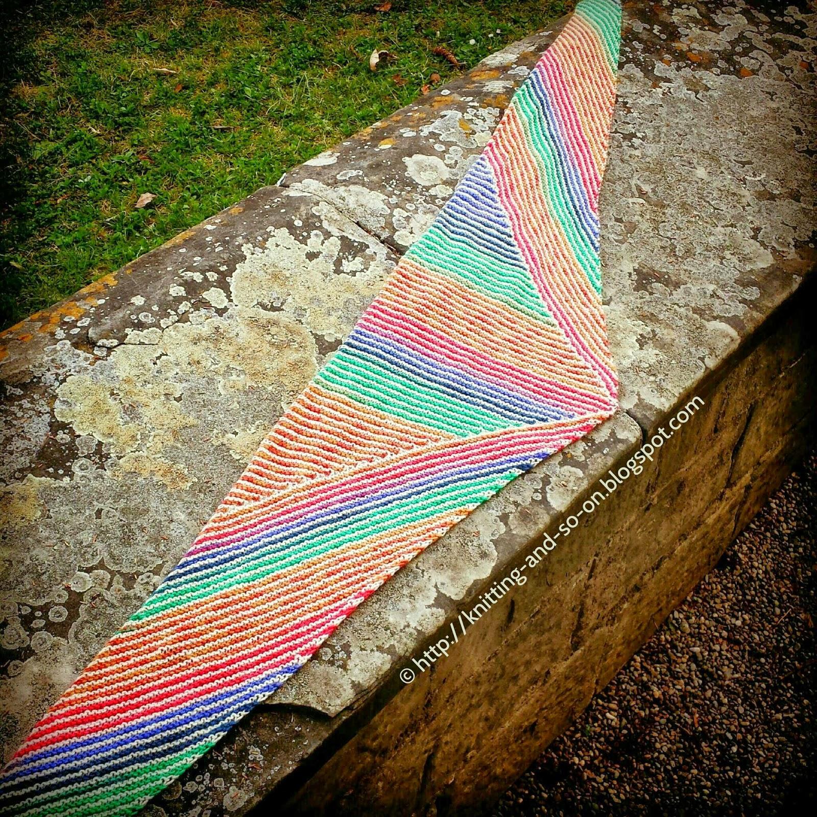 Gratis-Strickanleitung: Streifen, Streifen und Streifen Schal