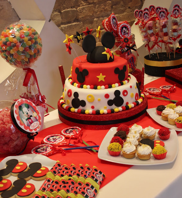 Mesa dulce mickey car interior design - Fiesta tematica mickey mouse ...