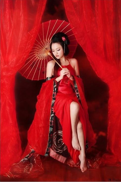 这一首情歌多少快乐 (zhè yī shǒu qíng gē duō shǎo kuài lè),- This love song bring much pleasure 表示你我情意合 (biǎo shì nǐ wǒ qíng yì hé)。- Shows that our feelings match together