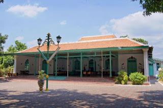 Mozaik: Bukti Kejayaan Kesultanan Cirebon