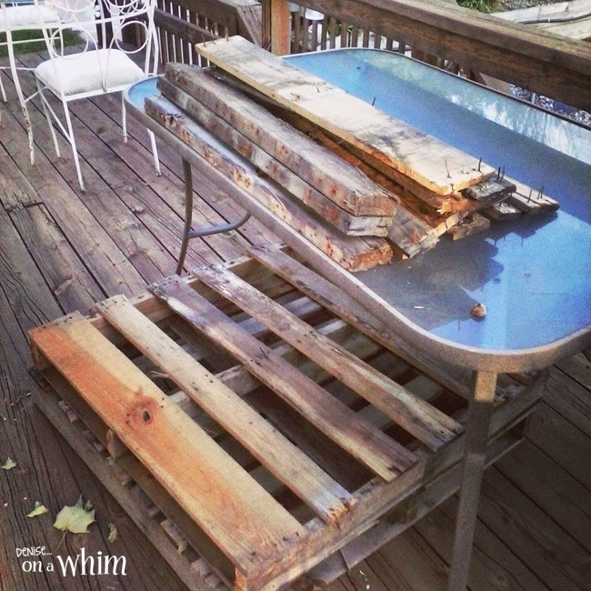 Breaking apart pallets for signs | Denise on a Whim