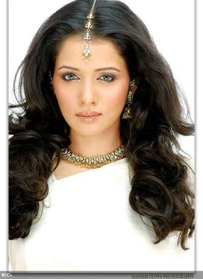 Sulagna-Panigrahi-Bollywood-Actress