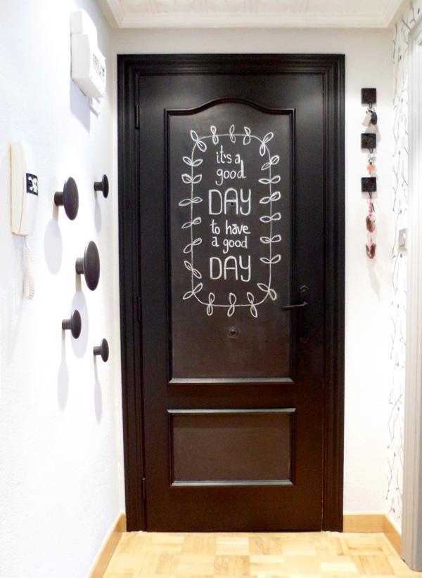 Lalole blog operaci n makeover n 1 2 y 5 la entrada for De que color puedo pintar los marcos de las puertas