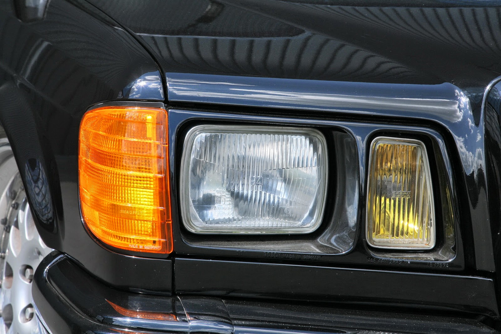 Mercedes benz w126 by inden design benztuning for Mercedes benz 190e headlights