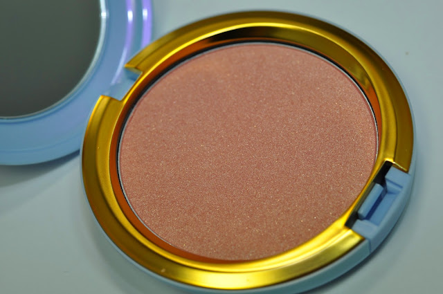 MAC Coupe D'Chic Iridescent Pressed Powder
