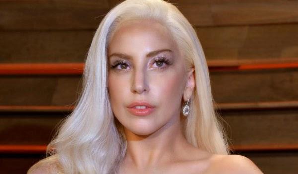 Ο Έλληνας τραγουδιστής στο πλευρό της Lady Gaga...[video]