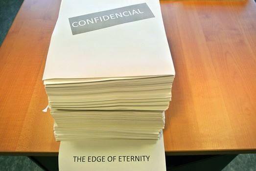 """""""No Limiar da Eternidade"""", o 3º e último livro da trilogia """"O Século"""" de Ken Folllett"""