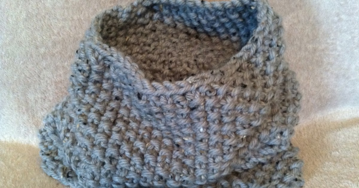 Knit Up Stitches Around Neckline : Hooked by Heidi: Chunky Gray Flecked Seed Stitch Snood