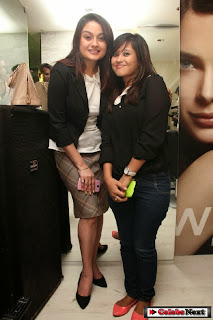Actress Sonia Agarwal Latest Pictures at Essensuals by Toni Guy Launch  0027.jpg
