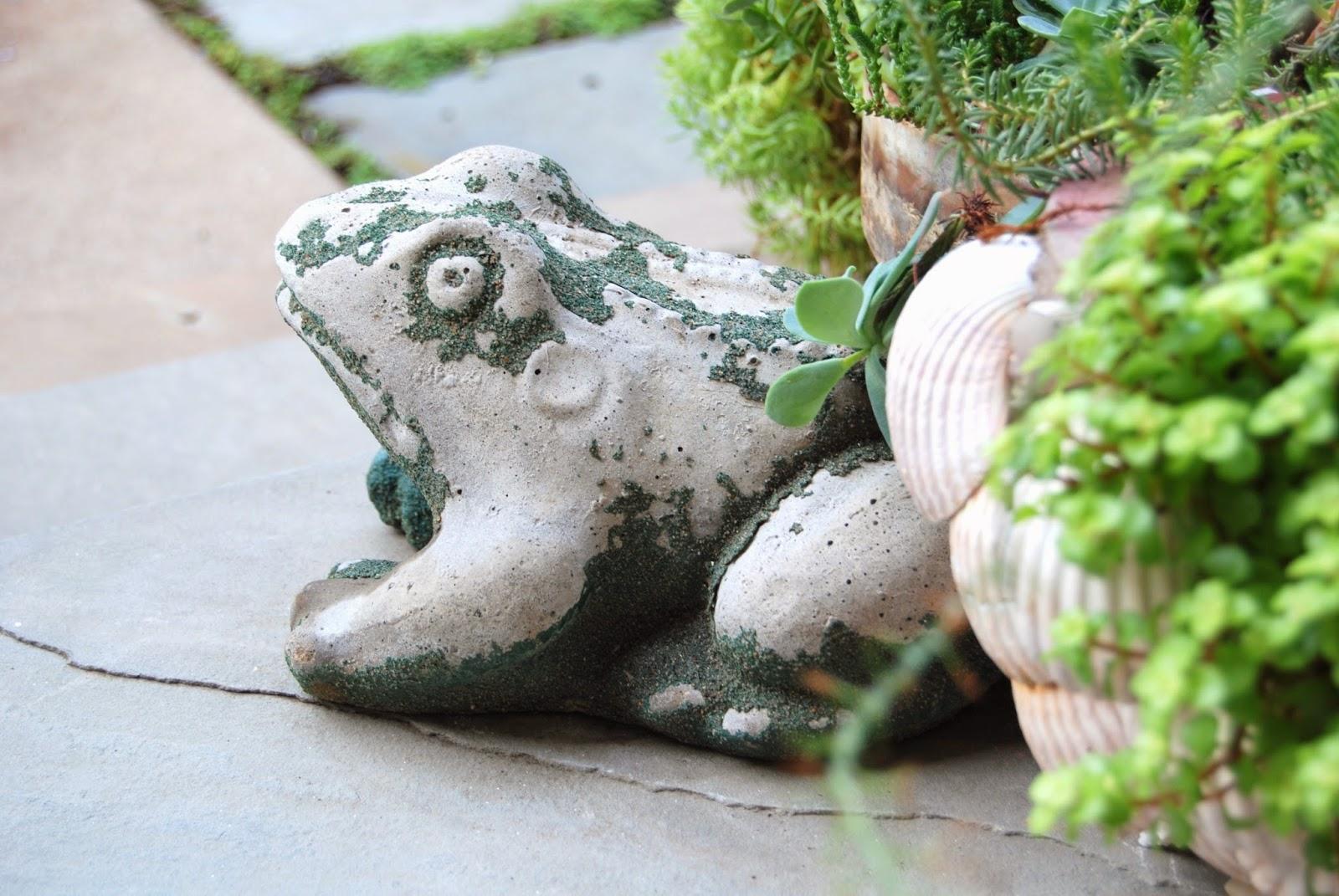 Vintage Garden Frogs