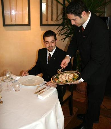 Restaurantes tipos de servicio for Tipos de comida francesa