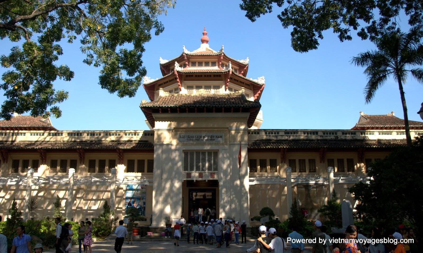 Bảo tàng lịch sử ở Thảo Cầm Viên