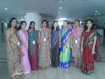 An get together photo of Tamil college girls.