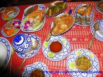 menu cena crucero por el rio chao phraya bangkok
