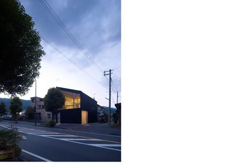 Unique Airhole House by Masahiro Kinoshita