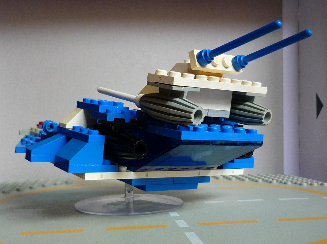 La cueva del troll (maltés): Lego eldar falcon
