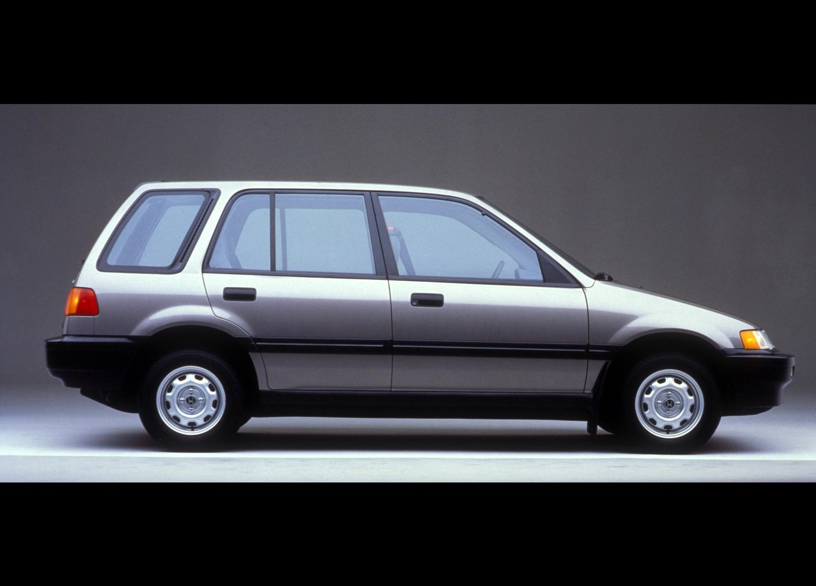 http://2.bp.blogspot.com/-2M6paCuWqNY/Tmtp7Ja9HOI/AAAAAAAAAYw/R8BhY2KSIHA/s1600/Honda-Civic_Wagon_1990_1600x1200_wallpaper_03.jpg