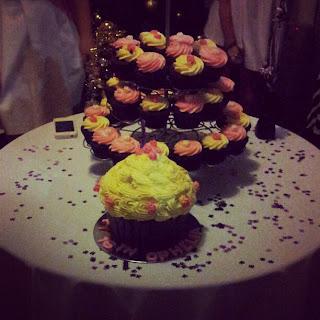 cake, cupcakes, yum, food, pink