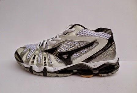 Sepatu Mizuno Wave Tornado 8 Mid murah,Sepatu Volly high,sepatu mizuno volly tinggi,jual sepatu mizuno volly,jual online sepatu volly,sepatu mizuno buat volly,