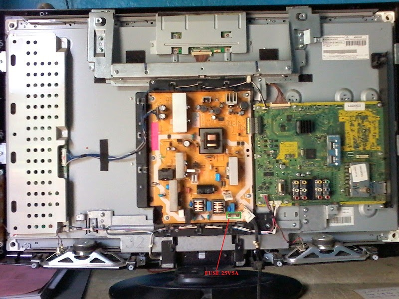 PANASONIC Viera L32X9D2 LCD TV Repair Help - FROM MY SERVICE TABLE ...