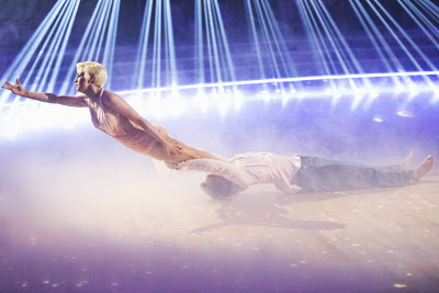 Kellie Pickler and Derek Hough's freestyle dance from the DWTS finals