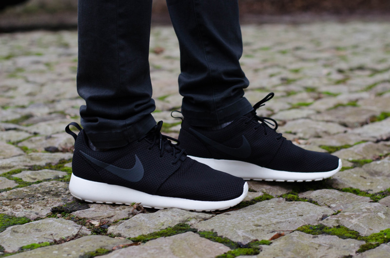 gsgnpy Men\'s Nike Roshe One Running Trainers Review | The Style Rawr