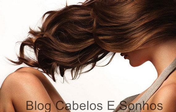 Seu cabelo com controle e forma na medida certa