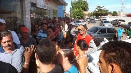 BARREIRAS: CLIENTES LESADOS PELA EMPRESA ELETROVARÃO SÃO OUVIDOS POR EQUIPE DE ADVOGADOS