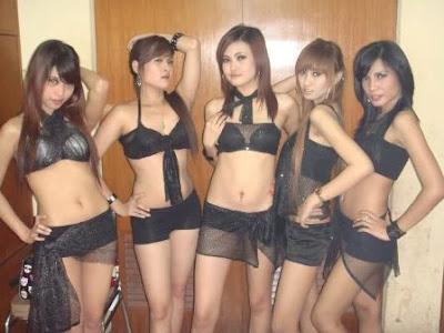 Foto Sexy Wanita Penghibur Malam