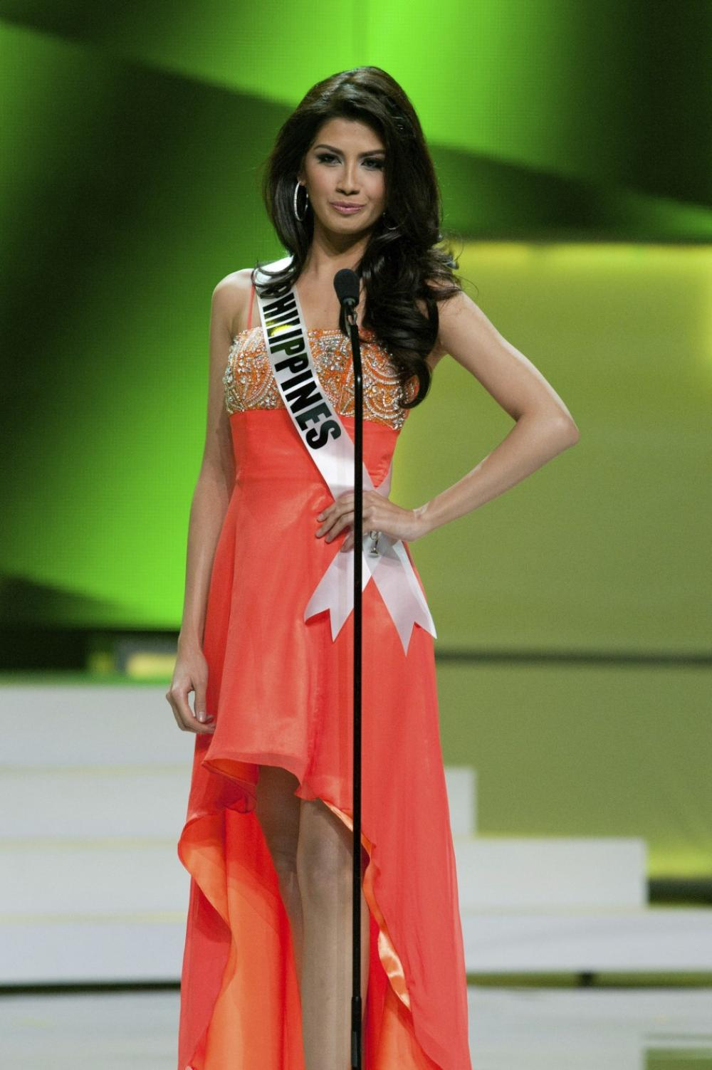 Shamcey Supsup host of Miss Universe 2012 Behind the Scenes