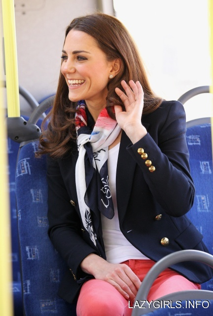 Uniform Fashion❤Kate Middleton Duchess of Cambridge