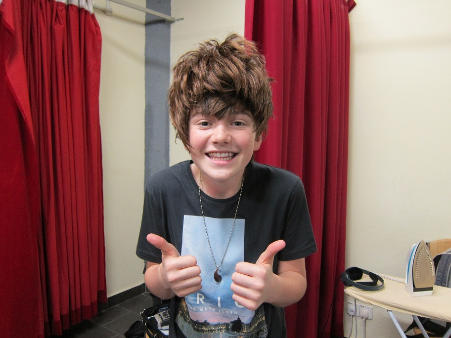 greyson chance wearing a wig in malaysia greyson chance looking like ...