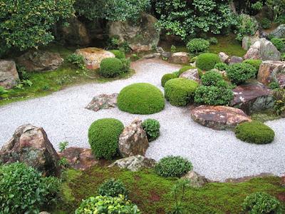 foto diseño jardín zen japones con piedras