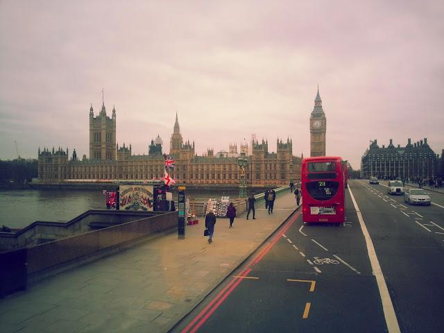 Londra-toplu-tasima-otobüs-icinden-manzara