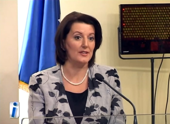 "Atifete Jahjaga oops, quan Kosoven - ""Kocove"""