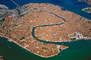 VENICE THE CITY BUILT ON WATER