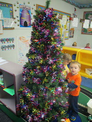 christmas theme, garland christmas tree, preschool christmas theme, the pa-paw patch, vale nc childcare, vale nc daycare