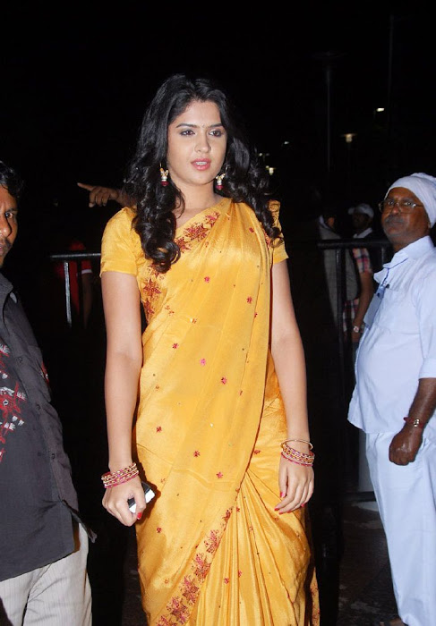deeksha seth in saree glamour  images