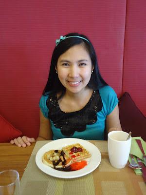 Lady in Assymetri Restaurant, Raddison Blu Hotel Yas Island Abu Dhabi