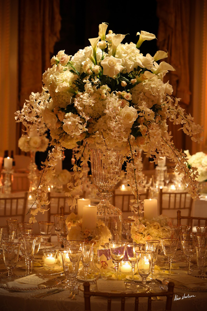 12 stunning wedding centerpieces part 19 belle the for Center arrangements for weddings