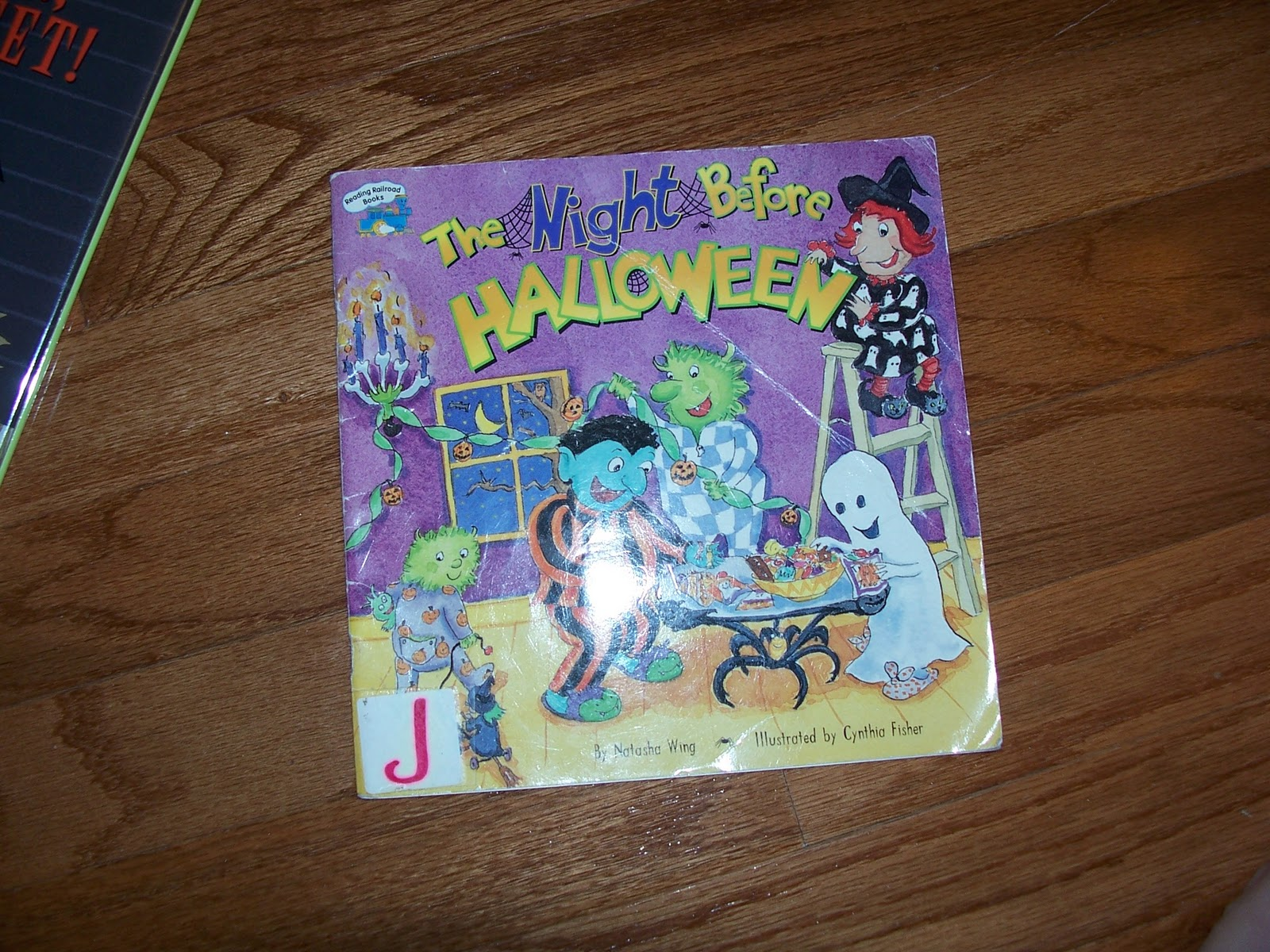 crafty moms share children u0027s halloween books and crafts