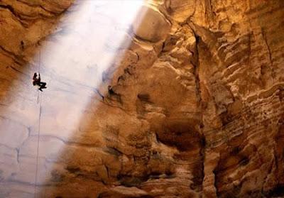 Ternyata Ada Lubang Misterius Di Perut Bumi [ www.BlogApaAja.com ]