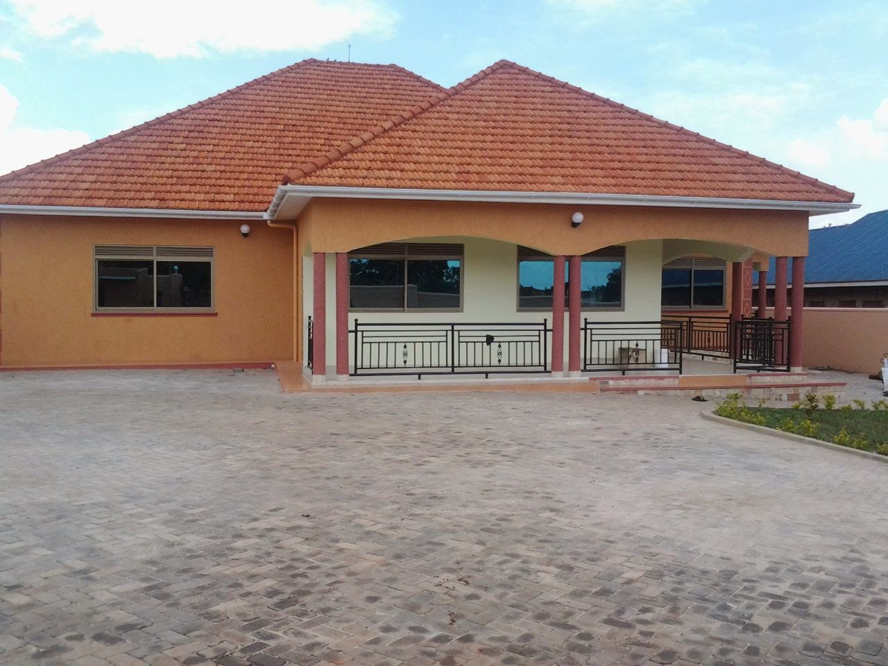 Houses for sale kampala uganda house for sale buwate for Home designs for sale