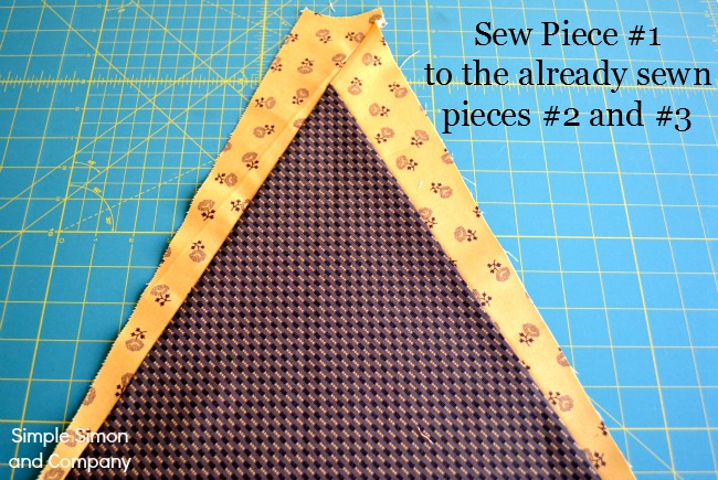 An Old Fashioned Christmas Tree Skirt Tutorial and Free Pattern ...
