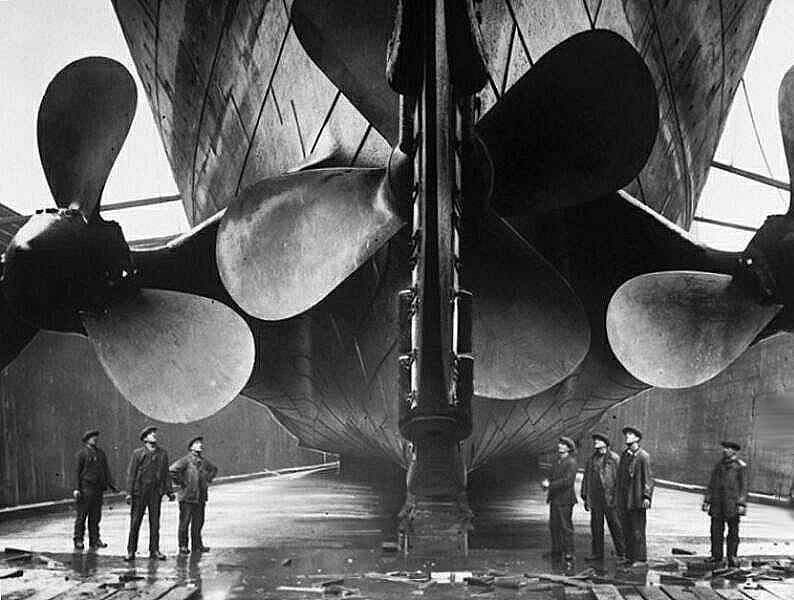 Documentary Photographs of Titanic: Propellers Compared to Yard Workers