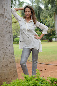 Lakshmi Manchu latest photo shoot gallery-thumbnail-10