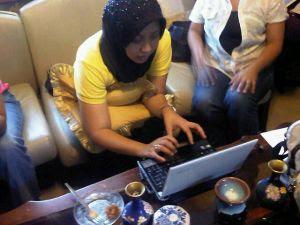 Jacel Kiram Berperang Dalam Twitter !..