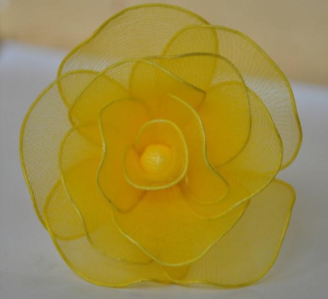 Cặp đôi hoàn hảo 2011 lam%2Bhoa%2Bhong%2Bvai%2Bvoan%2B08 Hướng dẫn làm hoa hồng bằng vải voan cực đẹp