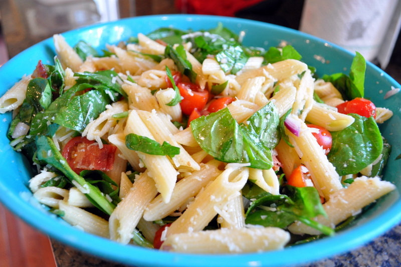 BLT pasta salad - Cleverly Inspired